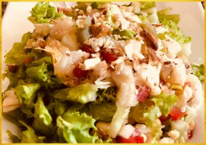 Lettuce salad with bean roll